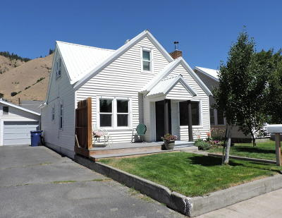 Cashmere Single Family Home Pending: 108 Perry St