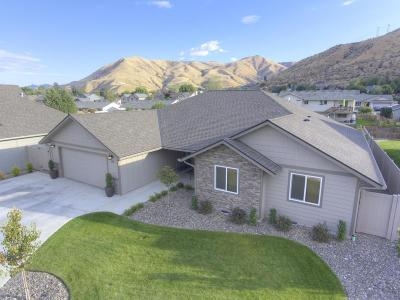 Wenatchee Single Family Home For Sale: 552 Circle St