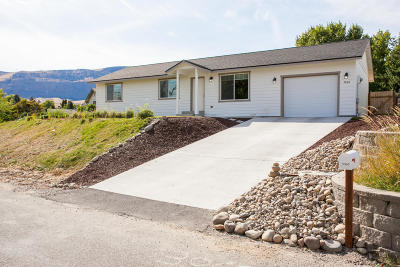 Malaga WA Single Family Home For Sale: $249,900