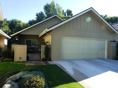 East Wenatchee Condo/Townhouse For Sale: 411 NE 19th St #6