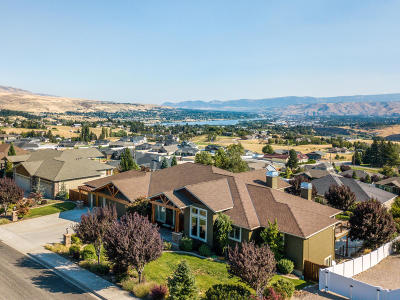 Wenatchee, Malaga Single Family Home For Sale: 955 Golden Crest Dr