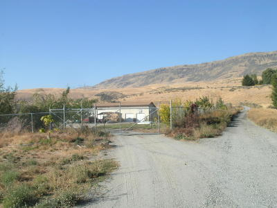 East Wenatchee Single Family Home For Sale: 5655 4th St. SE