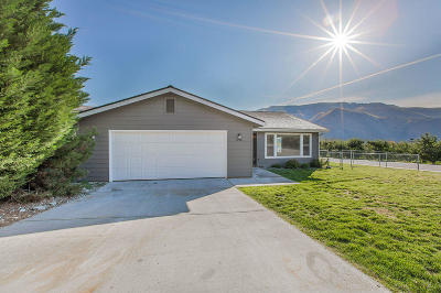 Entiat Single Family Home Pending: 14601 Pearl Ct