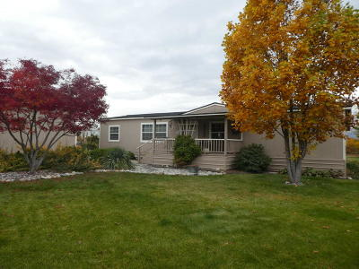 East Wenatchee Manufactured Home For Sale: 3010 SE 1st St