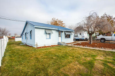 Single Family Home Pending: 247 SE 4th St