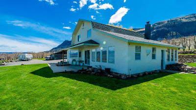 Wenatchee, Malaga Single Family Home For Sale: 3751 Luebber Lane