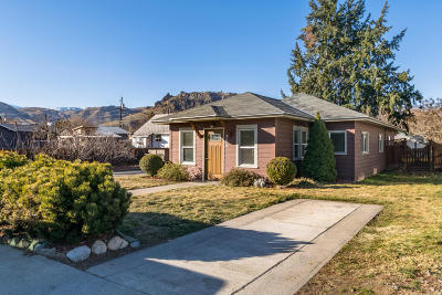Wenatchee Single Family Home For Sale: 730 Highland Dr
