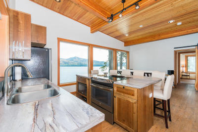 Chelan Single Family Home For Sale: 13390 S Lakeshore Rd