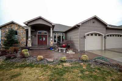 Wenatchee Single Family Home For Sale: 905 Golden Crest Dr