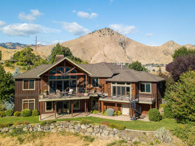 Wenatchee Single Family Home For Sale: 1680 Skyline Dr