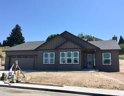 East Wenatchee, Rock Island, Orondo Single Family Home For Sale: 3061 NW Delcon Dr