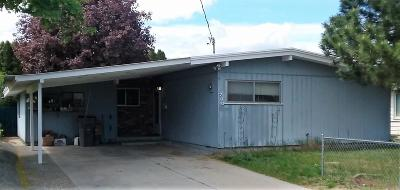 Wenatchee Single Family Home For Sale: 700 Ramona Ave