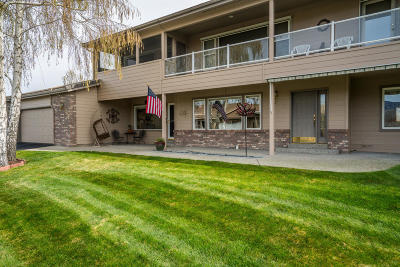 East Wenatchee Condo/Townhouse For Sale: 1380 Eastmont Ave #402