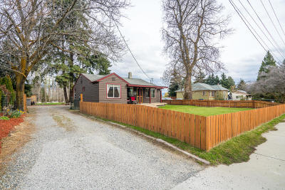 Wenatchee Single Family Home For Sale: 3127 Burch Mountain Rd