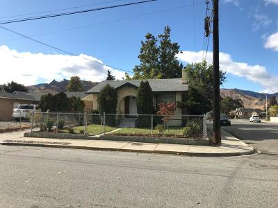 Wenatchee Single Family Home For Sale: 900 Cascade St
