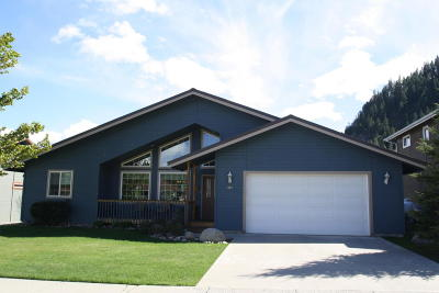 Single Family Home Sold: 325 Tumwater Dr