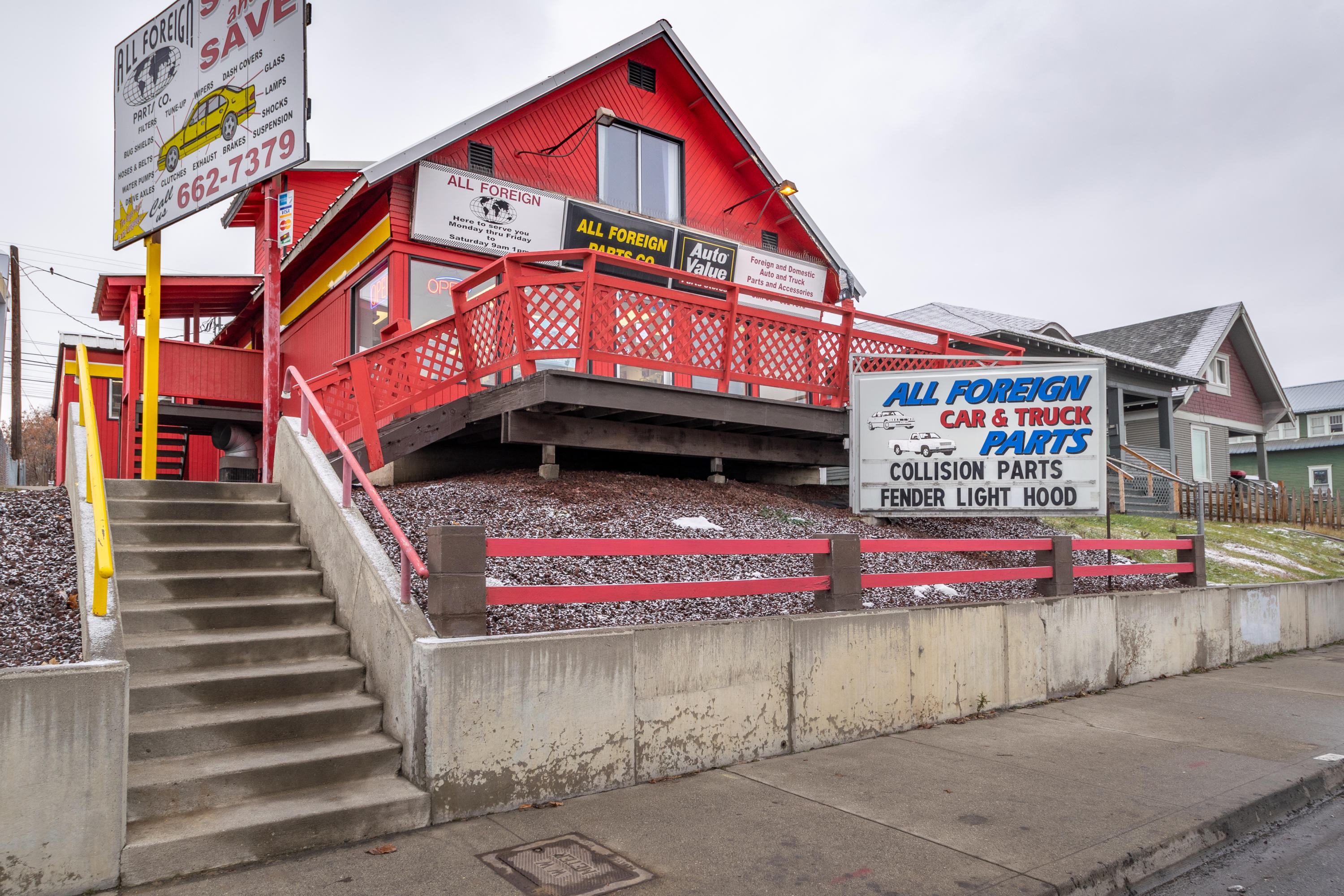 2,040 sq ft Commercial Property in Wenatchee for $225,000