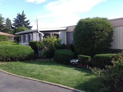 East Wenatchee Manufactured Home For Sale: 146 NE 23rd St