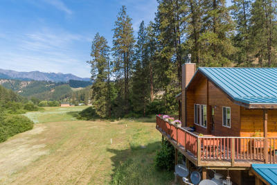 Leavenworth Single Family Home For Sale: 10261 Eagle Creek Rd