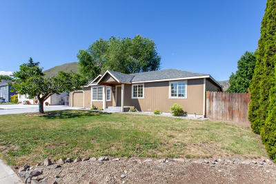 Wenatchee, Malaga Single Family Home For Sale: 1760 Methow