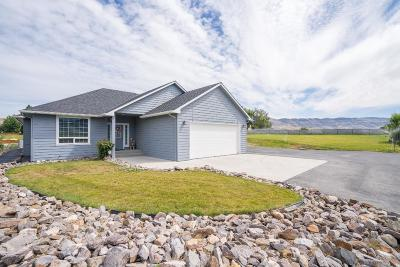 East Wenatchee, Rock Island, Orondo Single Family Home For Sale: 3231 2nd St