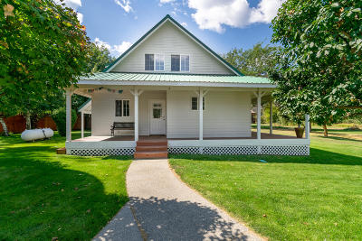 Leavenworth Single Family Home For Sale: 9026 E Leavenworth Rd
