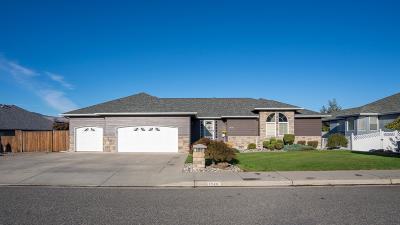 East Wenatchee Single Family Home For Sale: 1640 Holly Ln