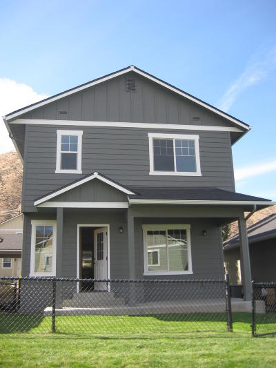 Wenatchee, Malaga Single Family Home For Sale: 2141 Roper Ln