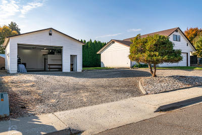 Wenatchee Single Family Home For Sale: 906 Willis St
