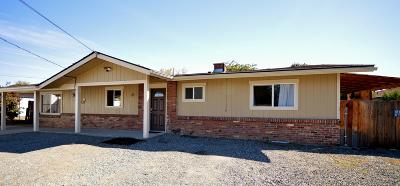 East Wenatchee Single Family Home For Sale: 23 S S Iowa Ave