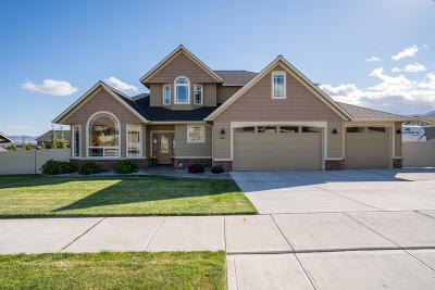 Wenatchee Single Family Home For Sale: 413 Laurie Dr