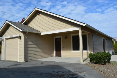 Wenatchee Single Family Home For Sale: 1059 Poplar Ave