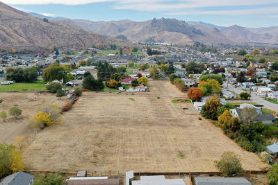 Wenatchee Single Family Home For Sale: 1827 Methow St