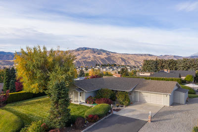 Wenatchee Single Family Home For Sale: 141 View Ridge Cir