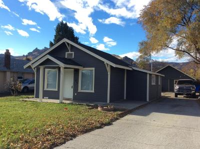 Wenatchee Single Family Home For Sale: 906 Kittitas St