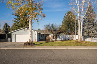 Wenatchee Single Family Home For Sale: 1318 Welch Ave