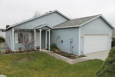 East Wenatchee Single Family Home For Sale: 615 S Lawler Ave