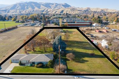 Wenatchee WA Commercial For Sale: $950,000