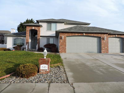 East Wenatchee Single Family Home For Sale: 1545 Holly Ln