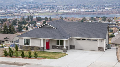 East Wenatchee Single Family Home For Sale: 2852 N Baker Ave