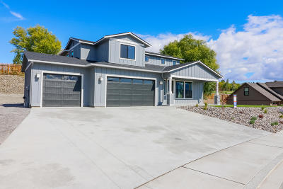 East Wenatchee, Rock Island, Orondo Single Family Home For Sale: 2727 SE Falcon View Dr