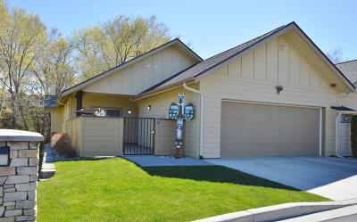East Wenatchee Single Family Home For Sale: 411 19th Street #4 St