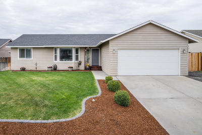 East Wenatchee Single Family Home For Sale: 2526 Aviation Dr