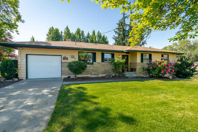 East Wenatchee Single Family Home For Sale: 464 7th St