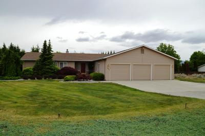 East Wenatchee Single Family Home For Sale: 2401 Plateau Dr