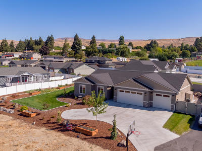 East Wenatchee Single Family Home For Sale: 465 Chestnut Ct