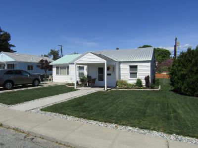Wenatchee Single Family Home For Sale: 1028 Eighth St