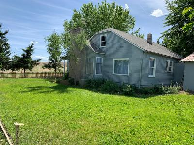 Single Family Home For Sale: 390 Rd L