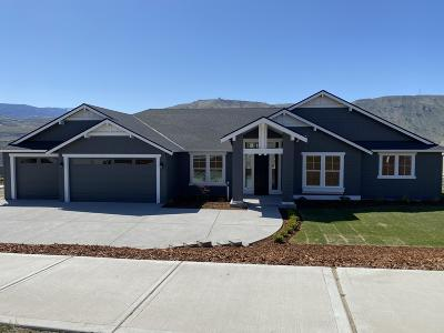 East Wenatchee, Rock Island, Orondo Single Family Home For Sale: 864 S Lamplight Ln