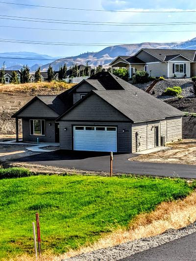 Wenatchee, Malaga Single Family Home For Sale: 834 Autumn Crest Dr